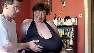Видео лилипут ебет толстушку