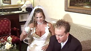 Milf cheating at wedding tubes