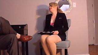 Hot secretaries seduce bosses with handjob   1492638