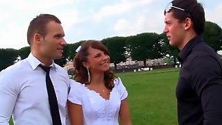 видео групповой секс с невестой любительское - 2