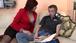 мать эротично наказала сыны смотреть 13
