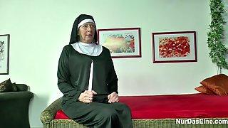 Русское порно домогание до монашки против ее воли смотреть бесплатно
