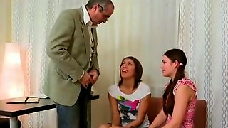 Skinny teen Sunny Diamond gives a blowjob and gets fucked by an oldman № 82536 бесплатно