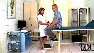 vrachiha-i-patsient-porno